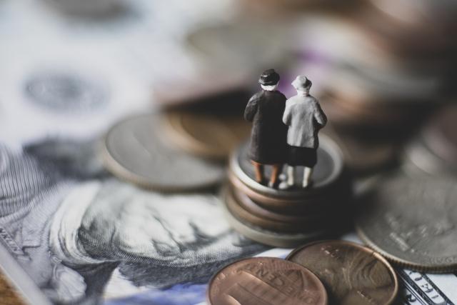 貯蓄から資産形成へ なぜ資産形成が必要なのか